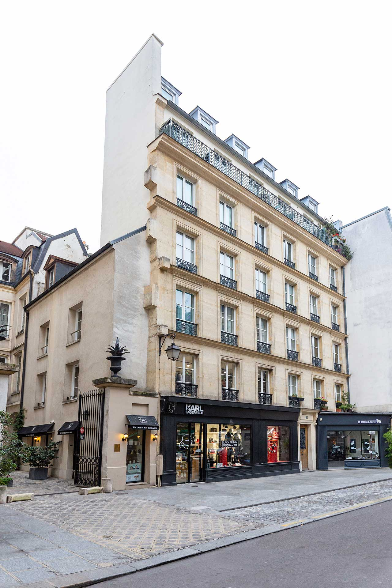 25 Rue Vieille du Temple 75004 Paris